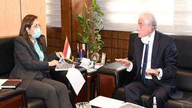 تزويد جنوب سيناء بسيارات إسعاف وإنقاذ لخدمة الطريق الدولي الجديد