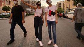 صور.. مايا دياب تنضم لمتظاهري ميدان الشهداء في لبنان: وطني مقتول