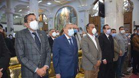محافظ المنيا يشارك في مراسم تشييع جنازة أسقف بني مزار والبهنسا