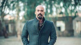 الأخ غير الشقيق لهيثم أحمد زكي: المحامي تصرف في مقتنياته دون علمي