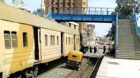 وزير النقل: القبض على سائق توكتوك سار على خط السكة الحديد