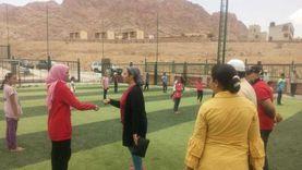 نائب محافظ جنوب سيناء تهدي فريق الكاراتيه بسانت كاترين 2000 جنيه