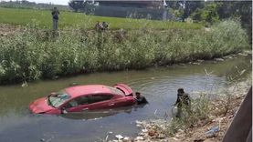 إصابة 4 فتيات في انقلاب سيارة بترعة في الشرقية