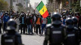توترات سياسية: مظاهرات في السنغال والجزائر.. واستقالة وزير إكوادوري