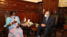 وزير الزراعة يستقبل نظيرته بجنوب السودان في ختام زيارتها لمصر
