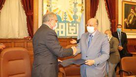 محافظ القاهرة يوقع عقد لتطوير منطقة الطيبي بحي السيدة زينب