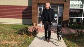 جمعية خيرية تقيم حفل تنصيب افتراضي لكلب بايدن