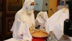 أسقف قنا يقيم أول قداس في مطرانية الأرثوذكس بعد 4 أشهر من الاعتكاف