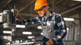 مصرفيون: قرار «المركزي» يستهدف تنشيط الاقتصاد القومي ودفع عجلة النمو
