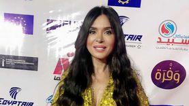 دينا زوجة محمود حميدة في «نقل عام»: دوري مختلف