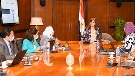 وزيرة الهجرة تتابع سير عمل غرفة عمليات انتخابات النواب للمصريين بالخارج