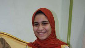 الأولى أدبي بمدارس الدمج في سوهاج: عايزة أكون سفيرة