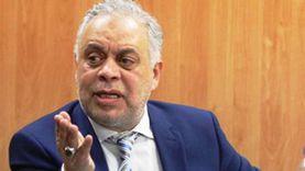 أشرف زكي لـ «الوطن»: شائعة وفاة دلال عبدالعزيز سخيفة