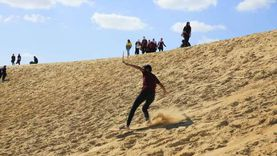 كورونا يضرب موسم التزحلق على الرمال في وادي الريان بالفيوم