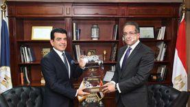 وزير السياحة والآثار يلتقي مدير عام الـ«إيسيسكو»