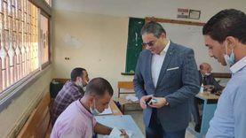 نقيب الإعلاميين يدلي بصوته في انتخابات مجلس النواب
