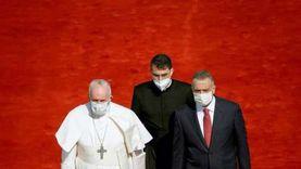 تفاصيل استقبال البابا فرنسيس في العراق: خلع قبعته وسار وهو يعرج