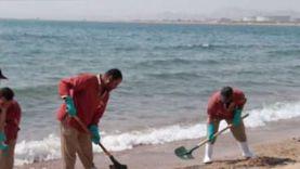 حملة لتنظيف الشاطئ العام في أبورديس من ملوثات الزيوت