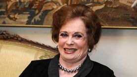 تدهورت حالتها الصحية .. من هي السيدة جيهان السادات ؟