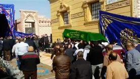 أقارب رجل الأعمال حسين صبور يودعونه إلى مثواه الأخير