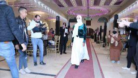 «فستاني» تطلق أول عرض أزياء للفتيات بقنا: يناسب المحجبات أكثر (صور)