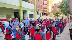 التعليم توجه بتعريف الطلاب بالإنجازات والأخطار الدولية ومجابهة إعلام الإخوان