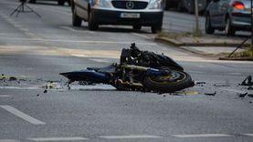 مصرع طالب وإصابة آخر في تصادم دراجة نارية بـ«كارو» بالدقهلية