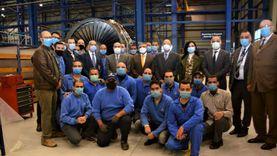 تفاصيل آخر لقاء بين مهندس تأهيل «بوينج B777-200» ووزير الطيران (صور)