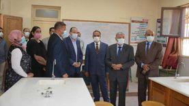 «نقاط ثابتة» لتطعيم المعلمين بلقاح كورونا بجميع الإدارات التعليمية في المنيا