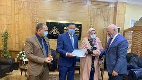 """رئيس جامعة بنها يكرم """"القيادات"""" بمناسبة الحصول على """"الجودة الإدارية"""""""