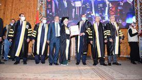 «طب سوهاج» تحتفل بتخرج الدفعة 25