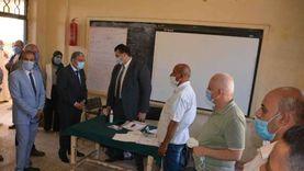 محافظ المنيا خلال متابعة سير العملية الانتخابية: نقف على الحياد