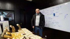 المدير الحنين رزق.. «أحمد» وزع هدايا بـ400 ألف جنيه على 6 موظفين