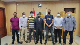 لإحباطهم سرقة أجهزة من حرم جامعةدمياط.. تكريم 3 مشرفين أمن