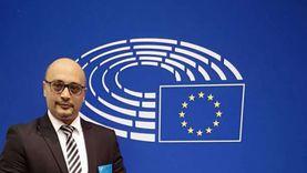 """عضو الجالية المصرية ببلجيكا ينشر فيديوهات للتوعية بخطوات التسجيل والتصويت في انتخابات """"الشيوخ"""""""