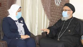 وكيل مطرانية كفر الشيخ يهنئ رئيس مدينة دسوق لتوليها المنصب