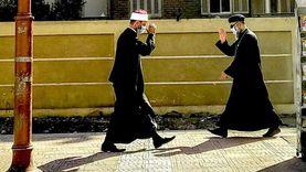 مصر في صورة على المحطة.. وصاحبها: الشيخ والقس سلموا على بعض بتلقائية