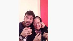 تفاصيل وفاة والدة الفنان تامر سمير: «فقدت أمي وبنتي في لحظة»