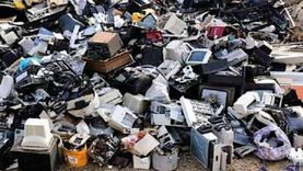 «البيئة تجمعها».. مخاطر المخلفات الإلكترونية والطبية: تصيب بالسرطان