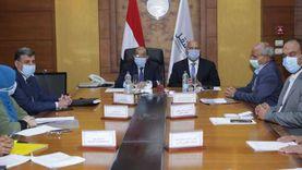 النقل والتنمية المحلية تتابعان تطوير طرق 12 محافظة