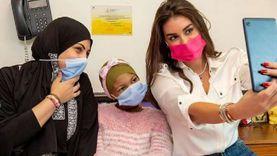 """أعمال ياسمين صبري الخيرية.. من """"سيدة المطر"""" إلى مستشفى سرطان الأطفال"""