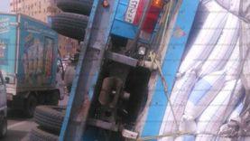 انقلاب سيارة نقل محملة بـ 38 طن ردة في سوهاج