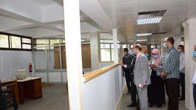 """نائب رئيس جامعة أسيوط يتابع تجهيز مركز """"الخدمات العامة للرسائل العلمية"""""""