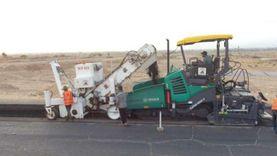 """وزير النقل يتابع تنفيذ ازدواج طريق """"قنا - الأقصر"""" الصحراوي الشرقي"""