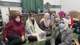 """بالصور.. وزيرة الهجرة ترتدي """"غطاء رأس"""" داخل مسجد بدمياط"""