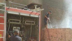 «عُقب سيجارة» السبب.. حريق بمخزن فايبر بالخانكة دون خسائر بشرية (صور)
