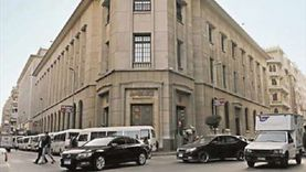 مصرفيون ومحللون: «المركزي» يُحفز البنوك لتدعيم القاعدة الرأسمالية ومواجهة تداعيات كورونا