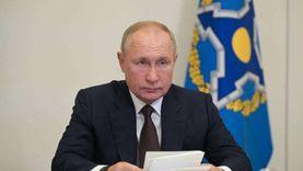 كورونا انتشرت بين معاونيه.. «بوتين»: هناك إصابات بالعشرات.. سأبقى في عزلة