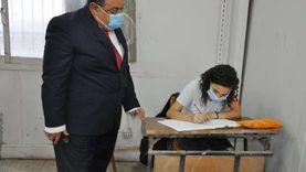 رئيس جامعة حلوان يتابع اختبارات القدرات بالكليات المختلفة