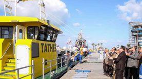 ميناء دمياط ينقل شحنة من القمح إلى صوامع إمبابه عبر نهر النيل